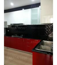 ชุดครัว Built-in ตู้ล่าง + ตู้สูง โครงซีเมนต์บอร์ด หน้าบาน Hi Gloss สีแดง