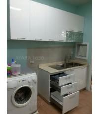 ชุดครัวโ Built-in ตู้ล่าง โครงซีเมนต์บอร์ด หน้าบาน Hi Gloss สีขาว