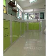 ชุดครัว Built-in ตู้ล่าง + วงกบ โครงซีเมนต์บอร์ด หน้าบาน Acrylic สีเขียว