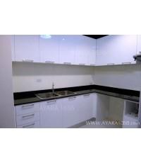 ชุดครัว Built-in ตู้ล่าง โครงซีเมนต์บอร์ด หน้าบาน Acrylic สีขาว