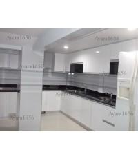 ชุดครัว Built-in ตู้ล่าง โครงซีเมนต์บอร์ด หน้าบาน Laminate สีขาว