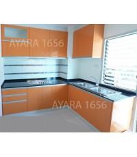 ชุดครัว Built-in ตู้ล่าง โครงซีเมนต์บอร์ด หน้าบาน Hi Gloss สีส้ม
