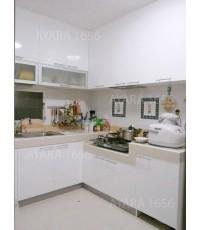ชุดครัว Built-in โครงซีเมนต์บอร์ด หน้าบาน PVC สีขาวด้าน
