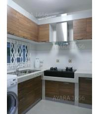 ชุดครัว Built-in ตู้ล่าง โครงซีเมนต์บอร์ด หน้าบาน Melamine สี Zebrano ลายไม้แนวนอน