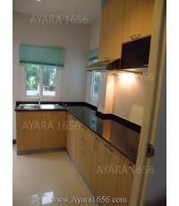 ชุดครัว Built-in ตู้ล่าง โครงซีเมนต์บอร์ด หน้าบาน PVC สี Milky Oak
