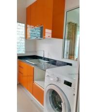 ชุดครัว Built-in ตู้ล่าง โครงซีเมนต์บอร์ด หน้าบาน Acrylic สีส้ม - ม.Villaggio