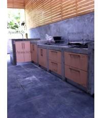 ชุดครัว Built-in ตู้ล่าง โครงซีเมนต์บอร์ด หน้าบาน Laminate ลาย Natural Beech ลายไม้แนวตั้ง