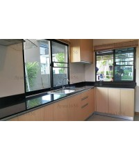 ชุดครัว Built-in ตู้ล่าง โครงซีเมนต์บอร์ด หน้าบาน Laminate ลายไม้ Natural Beech - ม.Casa Ville