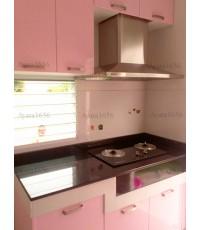 ชุดครัว Built-in ตู้ล่าง โครงซีเมนต์บอร์ด หน้าบาน Hi Gloss สีชมพู - ม.Villaggio