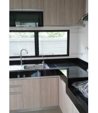 ชุดครัว Built-in ตู้ล่าง โครงซีเมนต์บอร์ด หน้าบาน Laminate ลายไม้สี Bisque Elm - ม.มัณฑนา