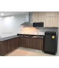 ชุดครัว Built-in ตู้ล่าง โครงซีเมนต์บอร์ด หน้าบาน Melamine ลายไม้ สี Milano Wood + French Oak ลายไม้