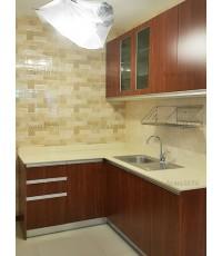 ชุดครัว Built-in ตู้ล่าง โครงซีเมนต์บอร์ด หน้าบาน Laminate ลายไม้ สี French Walnut - ม.Casa Ville
