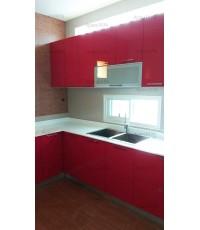 ชุดครัว Built-in ตู้ล่าง โครงซีเมนต์บอร์ด หน้าบาน Laminate สีแดงเงา