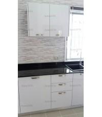 ชุดครัว Built-in ตู้ล่าง โครงซีเมนต์บอร์ด หน้าบาน Hi Gloss สีขาวเทา - ม.Perfect Place