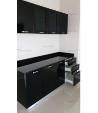 ชุดครัว Built-in ตู้ล่าง โครงซีเมนต์บอร์ด หน้าบาน PVC สีดำเงา - ม.Perfect Place