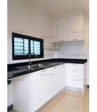 ชุดครัว Built-in ตู้ล่าง โครงซีเมนต์บอร์ด หน้าบาน Laminate สี Ultra White