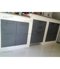 ชุดครัว Built-in ตู้ล่าง โครงซีเมนต์บอร์ด + วงกบ หน้าบาน Hi Gloss สีเทา