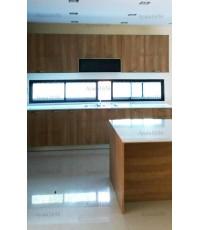 ชุดครัว Built-in ตู้ล่าง โครงซีเมนต์บอร์ด หน้าบาน Laminate สีบีช + Island สี Sand Oak