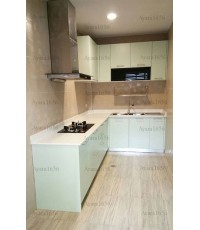 ชุดครัว Built-in ตู้ล่าง โครงซีเมนต์บอร์ด หน้าบาน Laminate สีเขียวด้าน Opal
