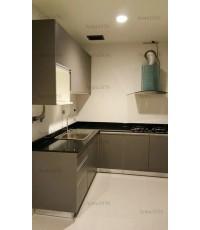 ชุดครัว Built-in ตู้ล่าง โครงซีเมนต์บอร์ด หน้าบาน Laminate สี Citadel