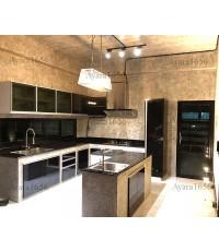 ชุดครัว Built-in ตู้ล่าง โครงซีเมนต์บอร์ด หน้าบาน Laminate สีดำด้าน