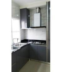 ชุดครัว Built-in ตู้ล่าง โครงซีเมนต์บอร์ด หน้าบาน PVC สีเทาเงา