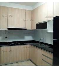 ชุดครัว Built-in ตู้ล่าง โครงซีเมนต์บอร์ด หน้าบาน Laminate สี Natural Oak - ม.ศุภาลัย วิลล์