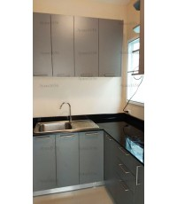 ชุดครัว Built-in ตู้ล่าง โครงซีเมนต์บอร์ด หน้าบาน Laminate สีเทาด้าน - ม.Perfect Park
