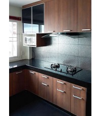 ชุดครัว Built-in ตู้ล่าง โครงซีเมนต์บอร์ด หน้าบาน Laminate สี Natural Teak
