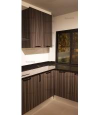 ชุดครัว Built-in ตู้ล่าง โครงซีเมนต์บอร์ด หน้าบาน Laminate สี Ebony Ribbonwood ลายไม้