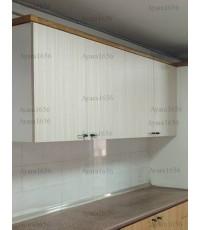 ชุดครัว Built-in ตู้บน โครงปาติเกิลสีขาว หน้าบาน Melamine สี Bamboo Striped ลายไม้