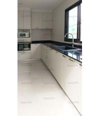ชุดครัว Built-in ตู้ล่าง โครงซีเมนต์บอร์ด หน้าบาน Laminate สี Silverbrush Wood-Cross-ม.บ้านกลางเมือง