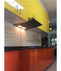 ชุดครัว Built-in ตู้ล่าง โครงซีเมนต์บอร์ด หน้าบาน PVC สีส้ม + เหลือง