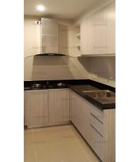 ชุดครัว Built-in ตู้ล่าง โครงปาติเกิล หน้าบาน PVC สีลายไม้