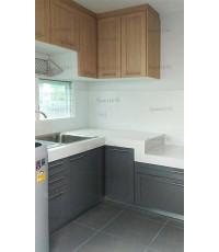 ชุดครัว Built-in ตู้ล่าง โครงซีเมนต์บอร์ด หน้าบาน Melamine สีเทา + ลายไม้