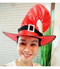 1 ใบ สีแดง หมวกแม่มด หมวกพ่อมด ปลายโค้ง หมวกทรงสามเหลี่ยม หมวกทรงสูง หมวกฮาโลวีน หมวกแฟนซี