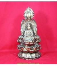 เจ้าแม่กวนอิม พระยูไล พระกษิติครรภ์ อยู่ในองค์เดียวกัน ขนาดฐ านกว้าง 4.5 นิ้ว สูง 10 นิ้ว ศิลปสวยงาม