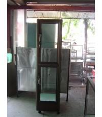 ตู้กระจกใส แบบสูง สีชา วางของโชว์