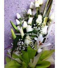 ช่อดอกไม้กุหลาบขาว+ลินลี่ขาว B014