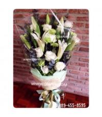 ช่อดอกไม้โทนขาวเขียว B050