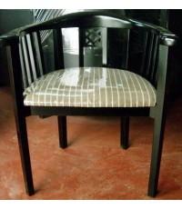 เก้าอี้ทรงเกือกม้าสี่ดำ