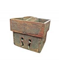 เชี่ยนหมากแกะสลักไม้ จากอินโดนิเซีย ปี 1890 24*23*20 ซม.