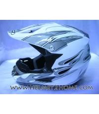 หมวกกันน็อควิบากเด็ก WLT helmet รุ่น 125 ลายไฟ สีขาว