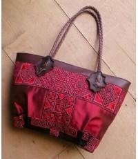 กระเป๋าผ้าไหม สีแดง