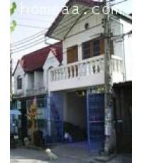 ทาวน์เฮ้าส์ 2 ชั้น หมู่บ้านไทยสมุทร2 ซ.ลาดกระบัง16 อ่อนนุช บางพลี เนื้อที่ 18 ตร.วา พร้อมอยู่