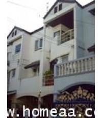 ทาวน์เฮ้าส์ 3 ชั้น หมู่บ้านธันยกานต์ ซ.รามอินทรา40 นวลจันทร์ เนื้อที่ 19 ตร.วา สภาพพร้อมอยู่