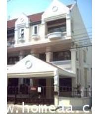 บ้านแฝด 3 ชั้น หมู่บ้านสิรินเฮ้าส์1 เนื้อที่ 40 ตร.วา ปากเกร็ด นนทบุรี สภาพพร้อมอยู่