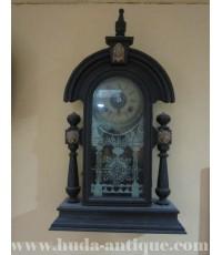 นาฬิกาแขวนลูกตุ้มโบราณ