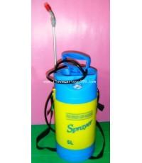 กระบอกฉีดน้ำต้นไม้  เป็นถังบรรจุน้ำ (จุน้ำได้ 5 ลิตร) มีตัววัดความดันน้ำ มีสายสะพายแขวนพกพาได้