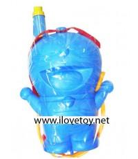 (ขนาดเล็ก) ปืนฉีดน้ำโดราเอมอน Doraemon มีแท๊งค์น้ำสะพายหลัง พร้อมปืน ขนาดแท๊งค์ สูง 27, กว้าง 22 ซ.ม